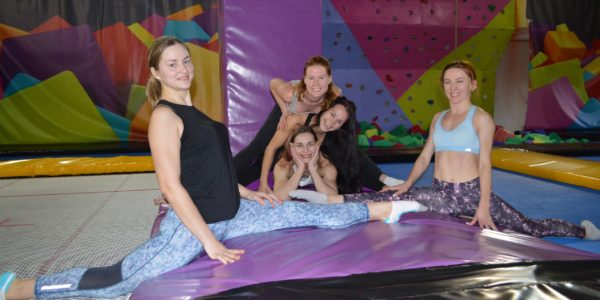 Фитнес для женщин на батуте